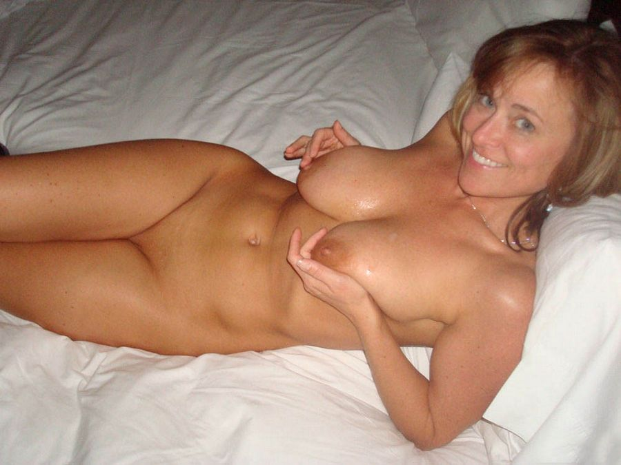 nude dating real milf