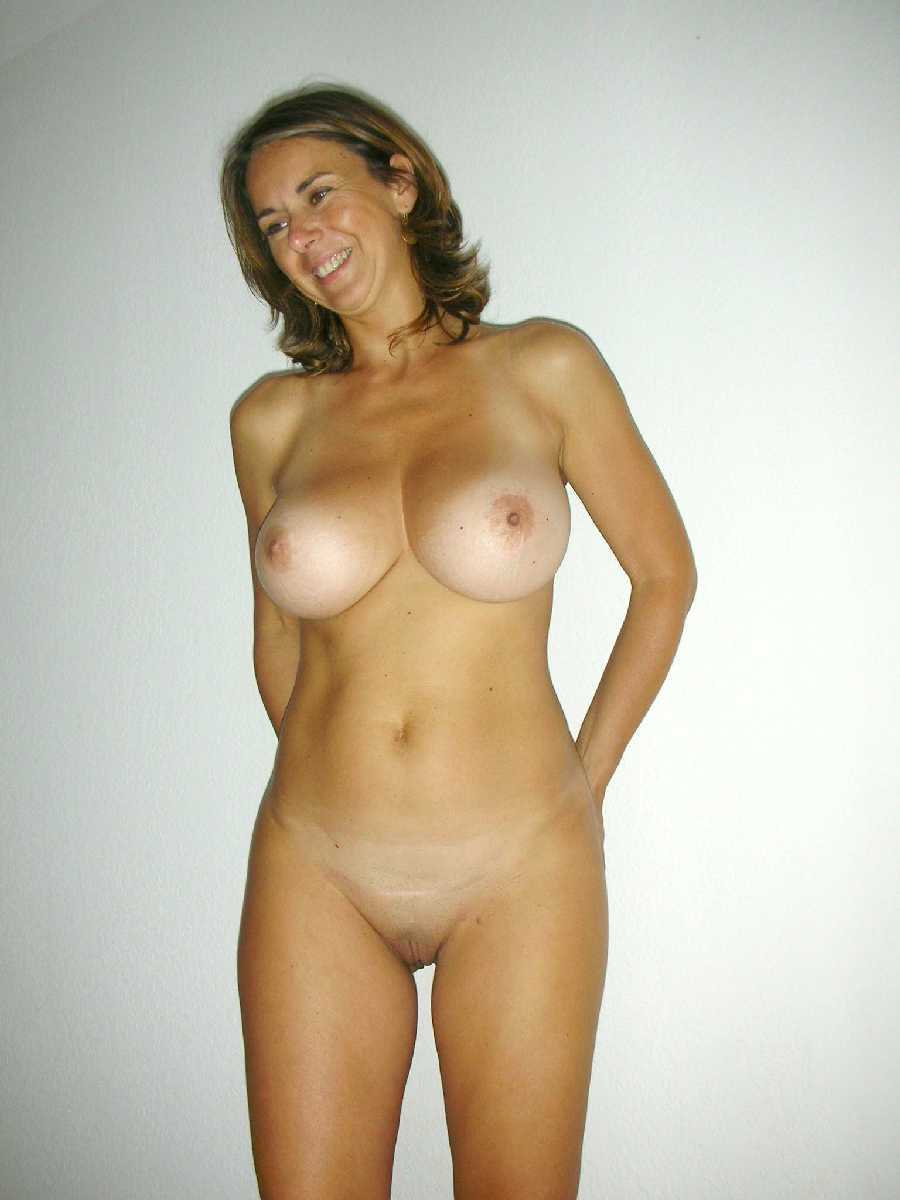Sexy nude big boobs milf
