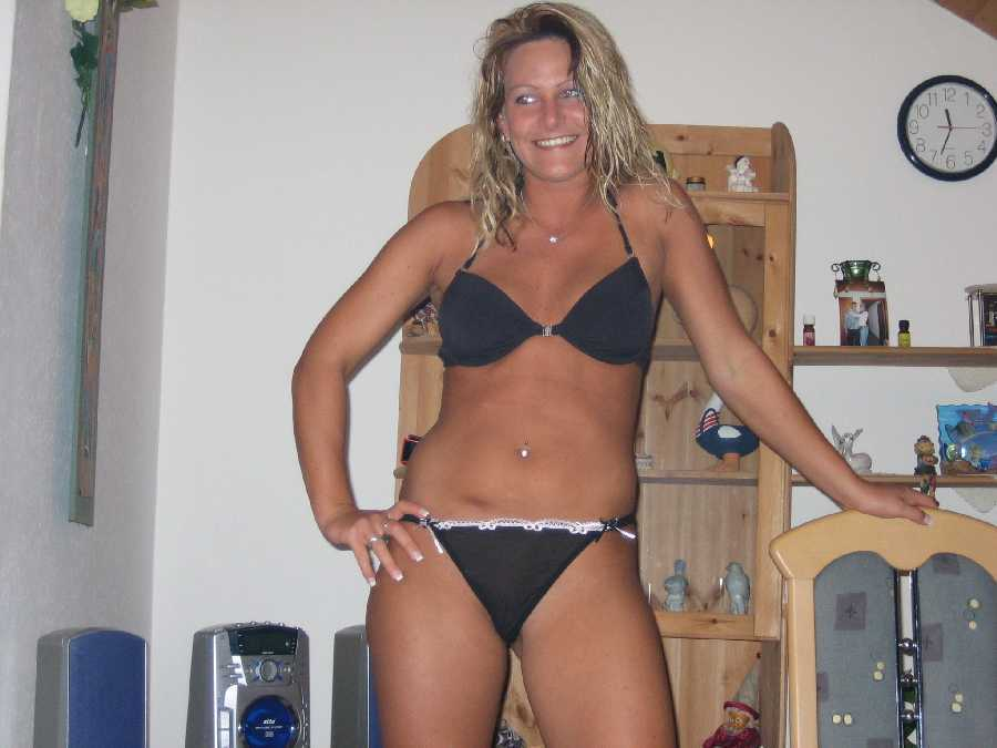 Amateur milf nude bikini
