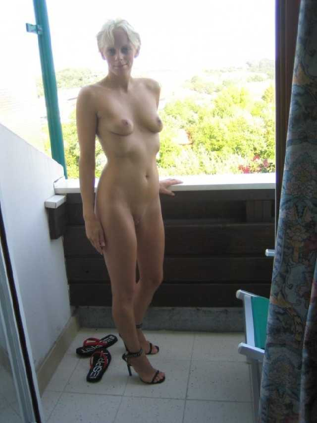 Fit wife naked
