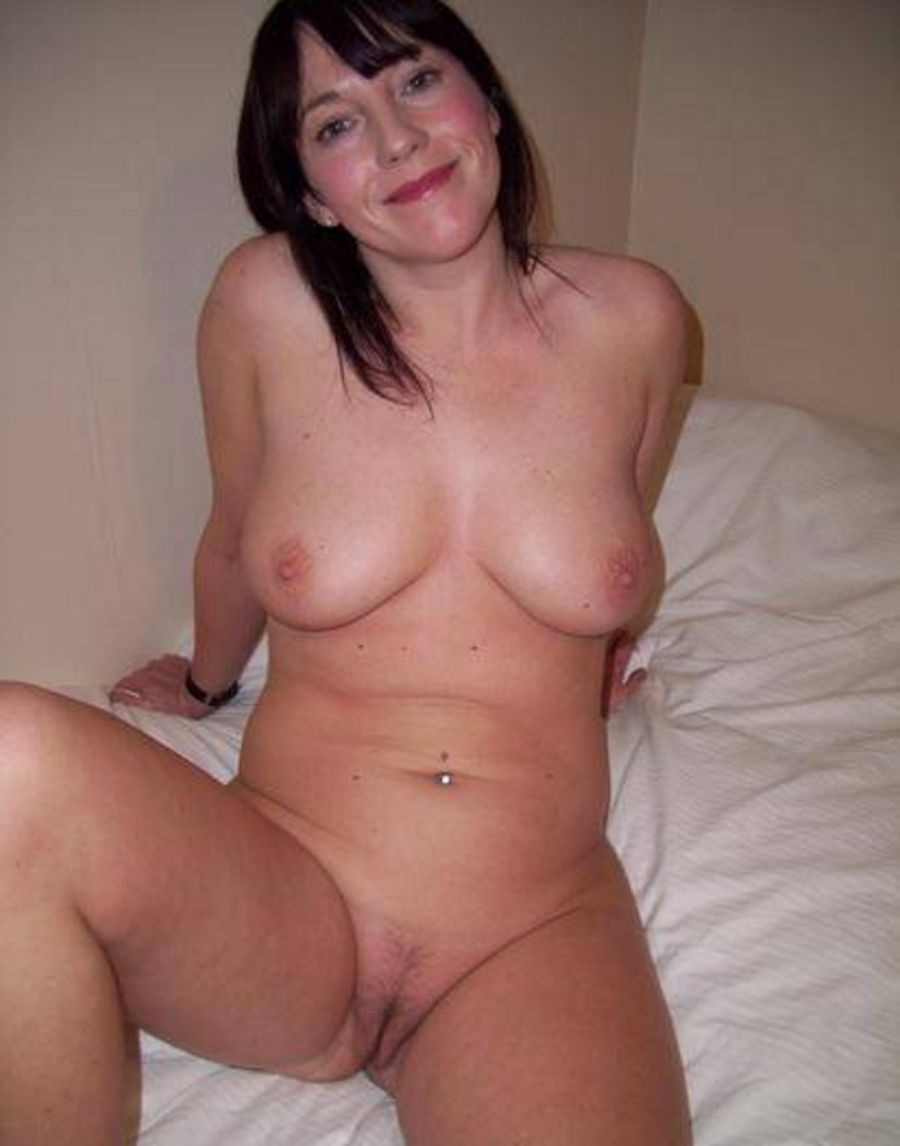 naked milfs real