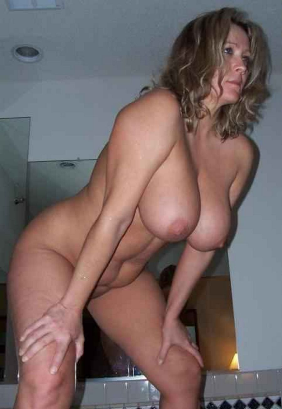 sexy hot moms - hot moms naked photos