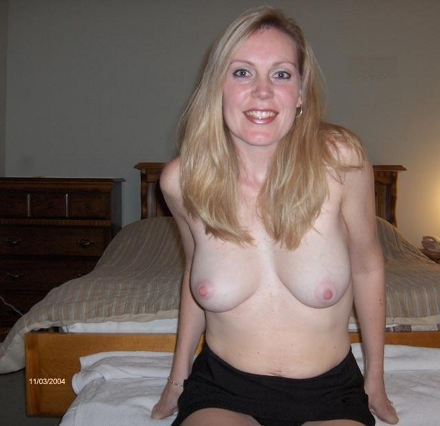 Naked mature women finger boys